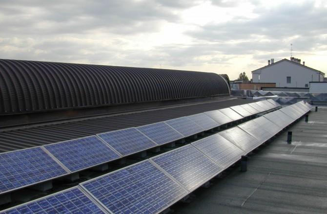 Fotovoltaico sulle scuole